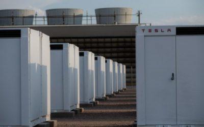Tesla Megapacks at the Bolster substation site, adjacent to SRP's Agua Fria Generating Station power plant. Image: SRP.